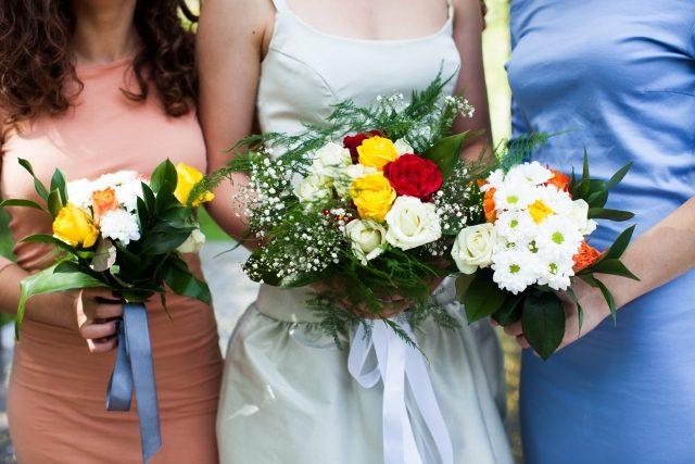 結婚ラッシュで焦る!幸せな結婚を引き寄せるには?間違った引き寄せに注意!